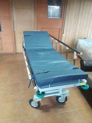 Catre clínico una plaza con barandas y colchon